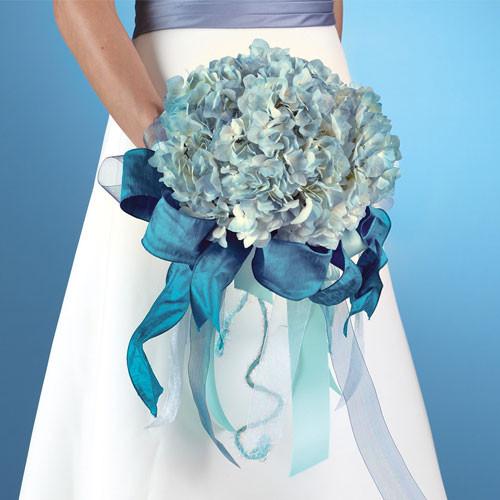 Buchet de nunta din hydrangea bleu