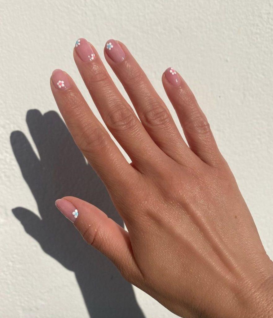 poze unghii cu gel modele noi